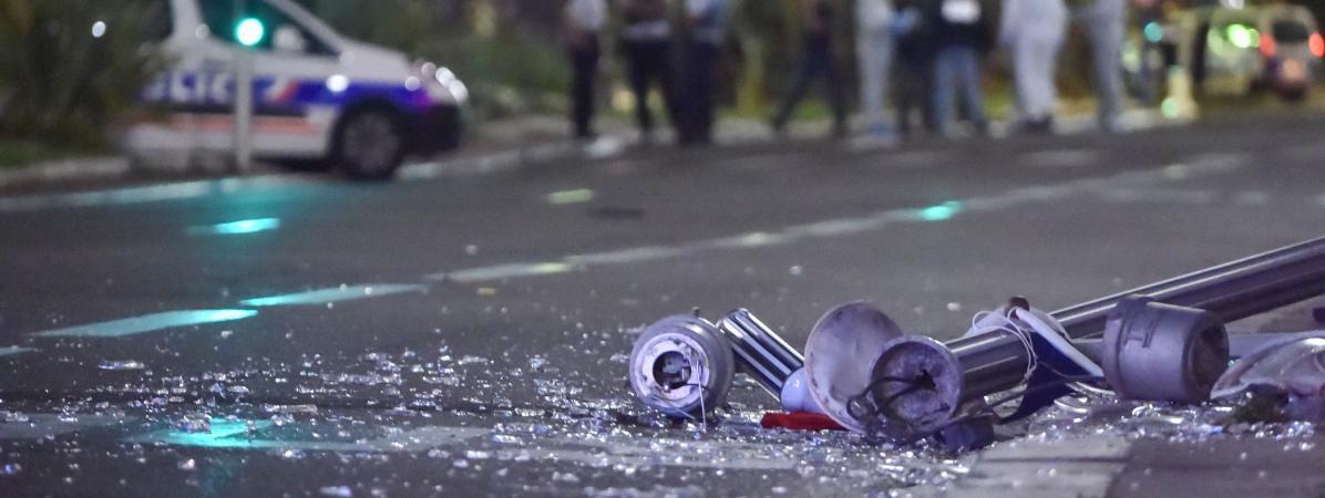 Le camion a foncé dans la foule sur la promenade des Anglais, le 14 juillet 2016 à Nice (Alpes-Maritimes).
