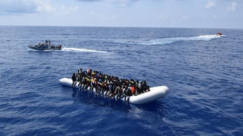 Italie : plus de 1 000 migrants secourus en Méditerranée, 17 corps retrouvés
