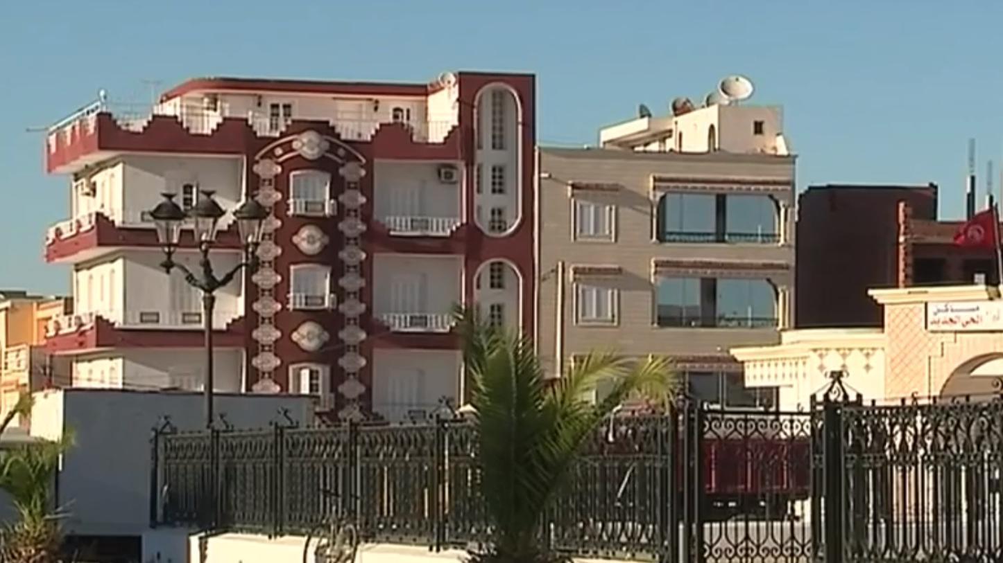 video attentat de nice enqu te en tunisie dans la ville d 39 origine du terroriste. Black Bedroom Furniture Sets. Home Design Ideas