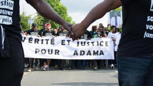 """Beaumont-sur-Oise: l'autopsie n'a pas déterminé la """"cause immédiate"""" de la mort d'Adama Traoré"""