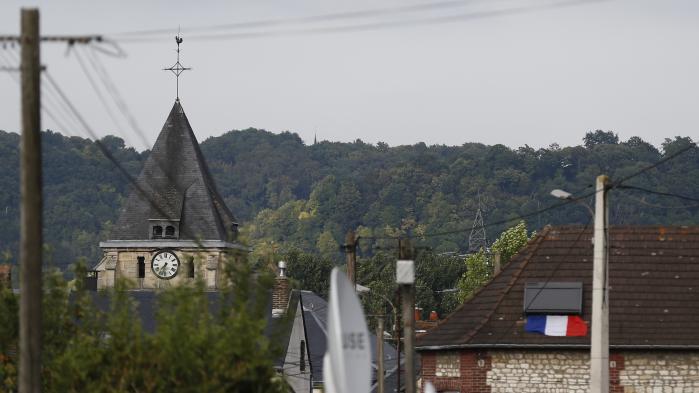 Saint-Etienne-du-Rouvray : ce que l'on sait des deux terroristes et de la personne placée en garde à vue