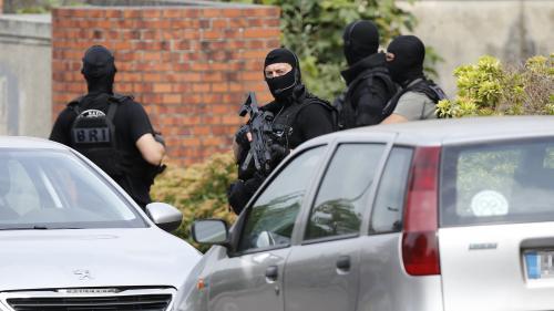 Attentat à Saint-Étienne-du-Rouvray : trois proches d'Abdel Malik Petitjean en garde à vue