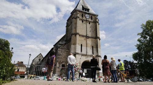 """Saint-Etienne-du-Rouvray : """"Ils avaient le style des terroristes... J'ai tout de suite compris"""", les religieuses retenues en otage témoignent"""
