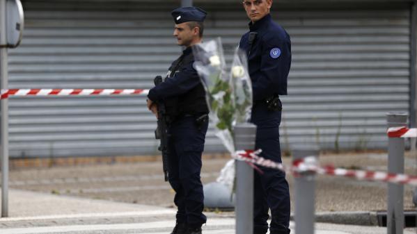 Saint-Etienne-du-Rouvray : les enquêteurs sur la piste d'un troisième homme