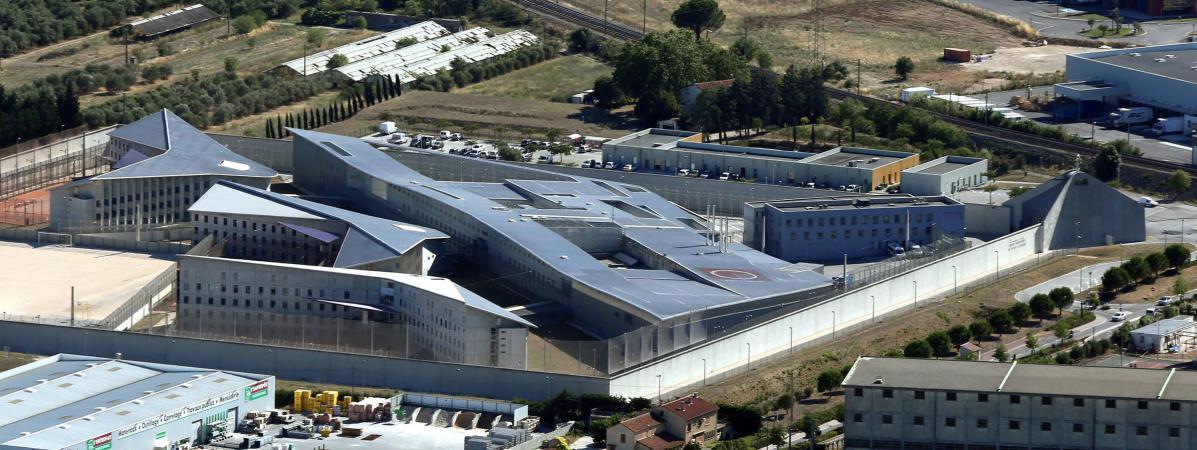 Les codétenus se sont filmés dans leur cellule, début avril, dans la prison de La Farlède, près de Toulon (Var).