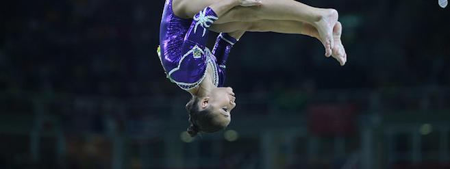 Gymnastes de haut niveau   une croissance et une puberté remises à plus tard 6d8bcb94209