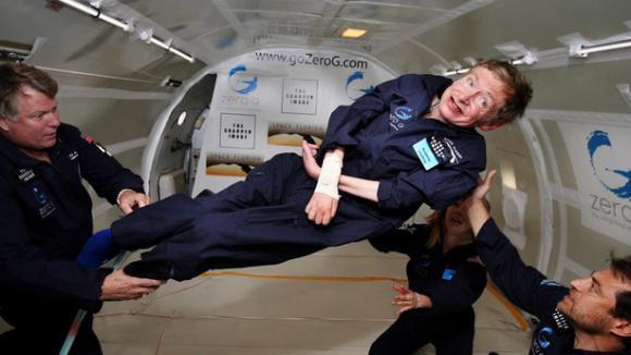 Comment Stephen Hawking a-t-il survécu à une maladie qui aurait dû le tuer il y a plus de quarante ans ?