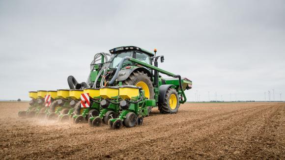 Les machines agricoles du futur - Cars et les tracteurs ...