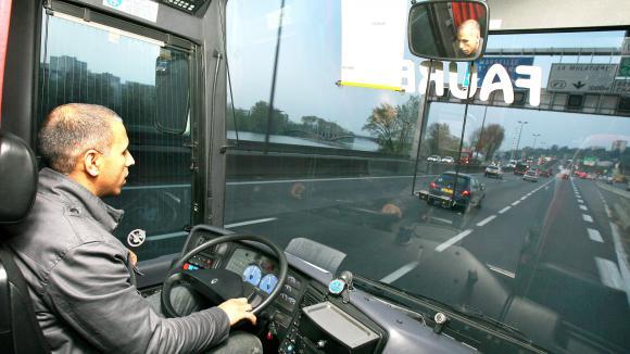 formation chauffeur de bus le de france. Black Bedroom Furniture Sets. Home Design Ideas
