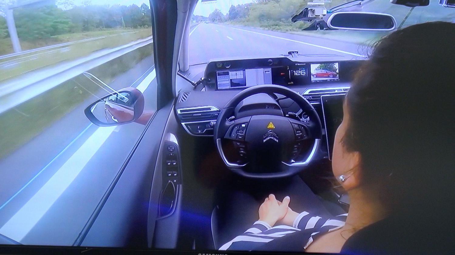 paris bordeaux en voiture autonome 580 km sans toucher le volant. Black Bedroom Furniture Sets. Home Design Ideas