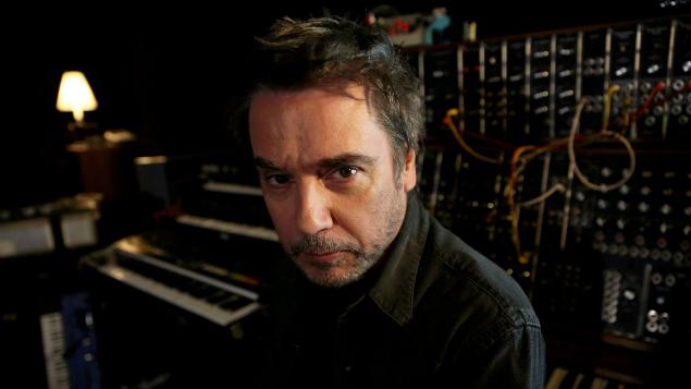 jean michel jarre sort un nouvel album ensemble c 39 est mieux. Black Bedroom Furniture Sets. Home Design Ideas