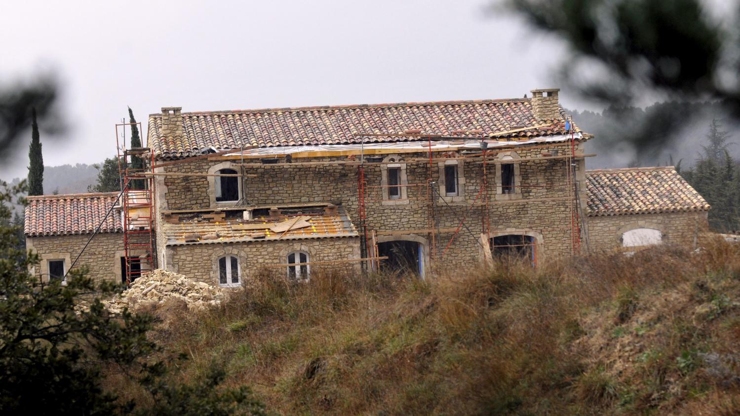 Michel Drucker va pouvoir vivre dans sa villa des Alpilles.