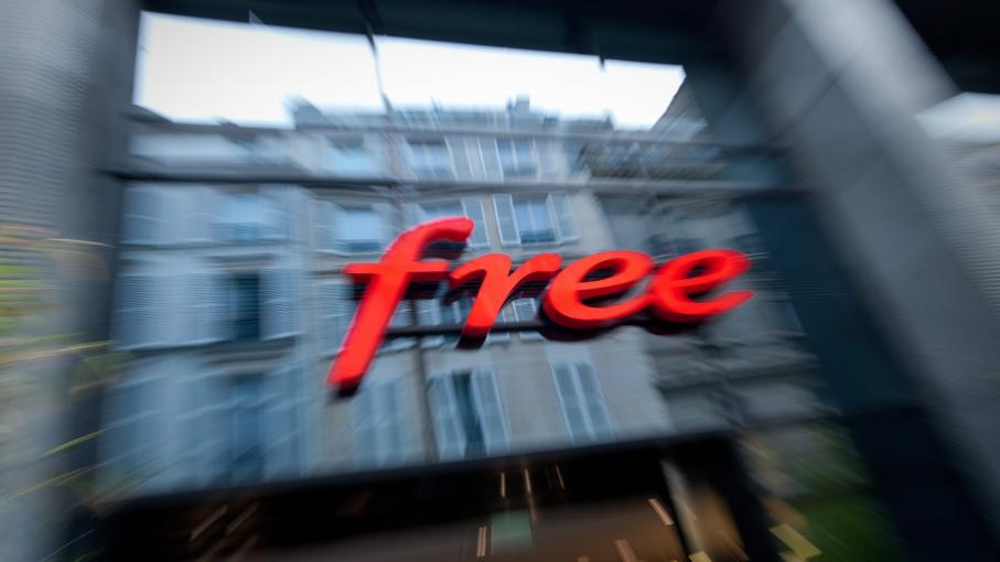 mobilisation sur le net contre le blocage des pubs par free. Black Bedroom Furniture Sets. Home Design Ideas