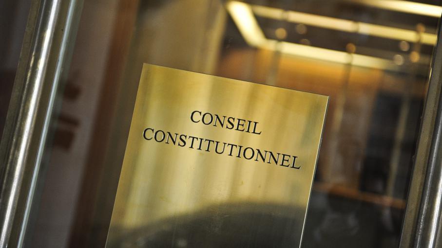 Dissertation conseil constitutionnel gouvernement juges