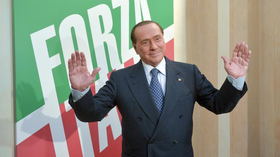 italie   les ministres du parti de berlusconi quittent le gouvernement