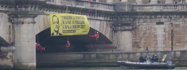 """Résultat de recherche d'images pour """"Greenpeace assemblee nationale"""""""