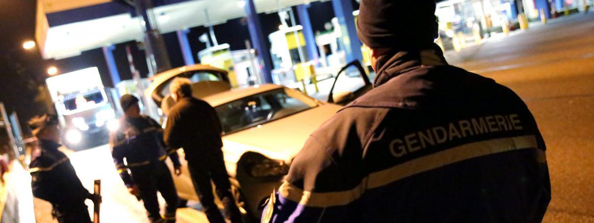 De Aux Sud France Les Du Autoroutes Faux Alerte Sur La Policiers 6ybYvIf7g