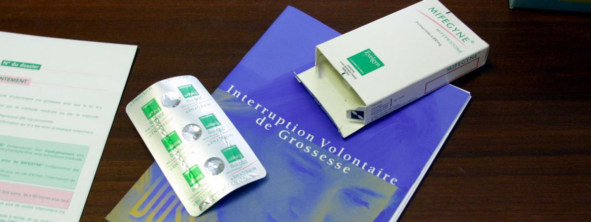 avortement le nombre d 39 ivg en france a augment en 2013. Black Bedroom Furniture Sets. Home Design Ideas