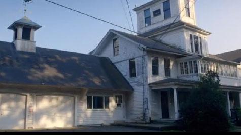 un village fant me vendre aux etats unis. Black Bedroom Furniture Sets. Home Design Ideas