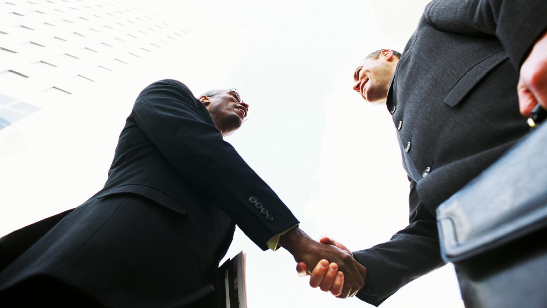Moza k rh le cabinet de recrutement qui aide les jeunes des banlieues surmonter les - Cabinet recrutement assistanat haut niveau ...