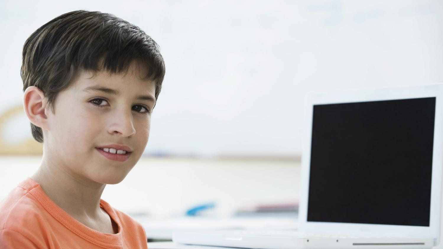 apprendre la programmation informatique aux enfants. Black Bedroom Furniture Sets. Home Design Ideas
