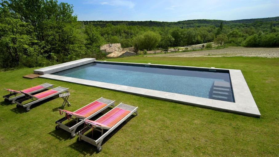 Avoir une piscine chez soi for Avoir une piscine