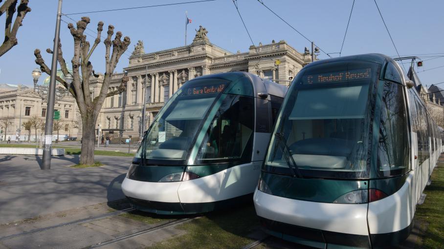 pic de pollution tarif sp cial vendredi strasbourg pour les bus et les tramways. Black Bedroom Furniture Sets. Home Design Ideas