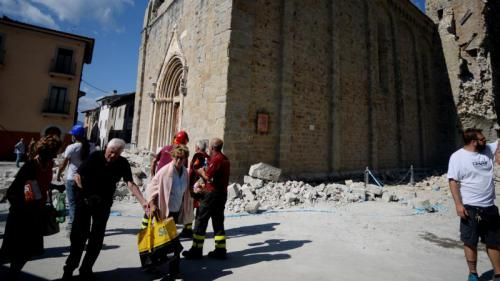 Séisme en Italie : les recherches se concentrent sur un hôtel touristique à Amatrice
