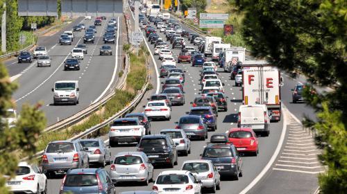 Circulation : 470 km de bouchons sur les routes dans une chaleur écrasante