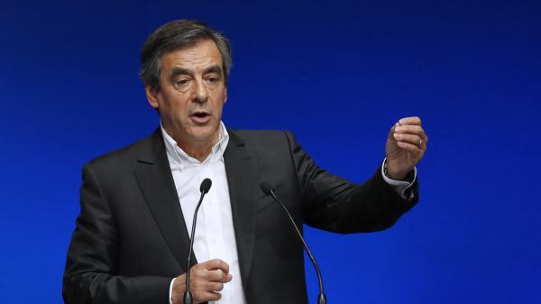 """Pour François Fillon, """"il n'y a rien de très nouveau"""" dans le programme de Nicolas Sarkozy"""