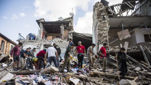 Séisme en Italie : hommage national aux victimes
