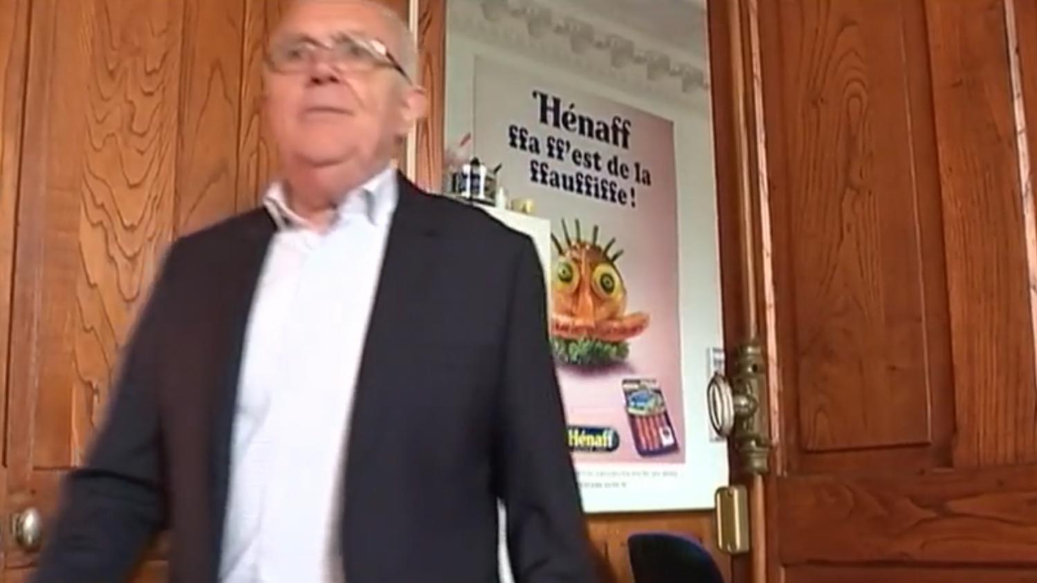 La famille h naff un si cle de cochon en bo te for Agrandissement maison fiscalite