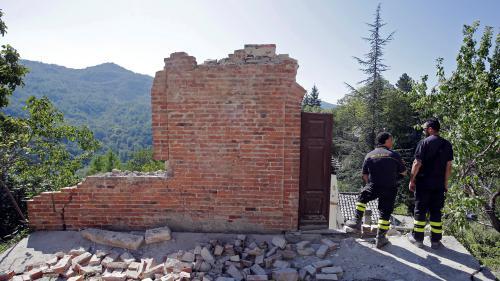 VIDEO. Séisme en Italie : comment la vie des rescapés s'organise