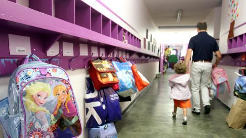 """DIRECT. Rentrée : douze millions d'élèves retrouvent les salles de classe """"sous vigilance extrême"""""""