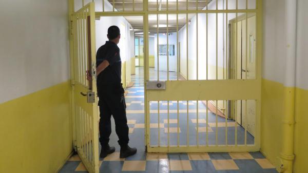 Prison : la fin des unités pour les détenus radicalisés