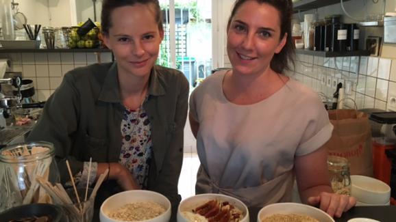 """Maaike Chaix et Audrey Brémont, créatrices du """"Bol, porridge bar"""" à Paris"""