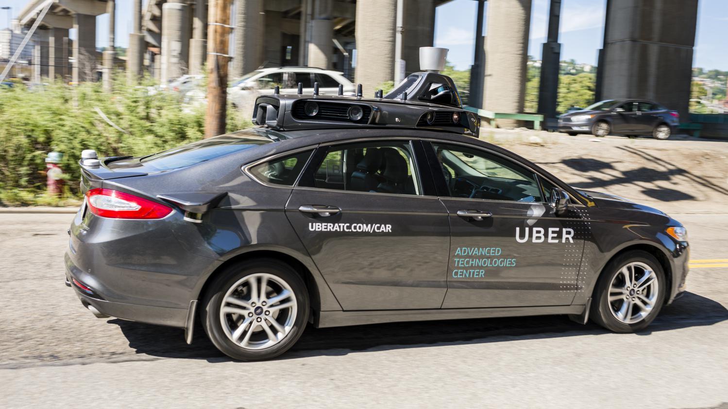une voiture autonome d uber victime d un accident spectaculaire en arizona. Black Bedroom Furniture Sets. Home Design Ideas