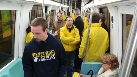 Génération identitaire en patrouille dans le métro à Lille, le 14 mars 2014.