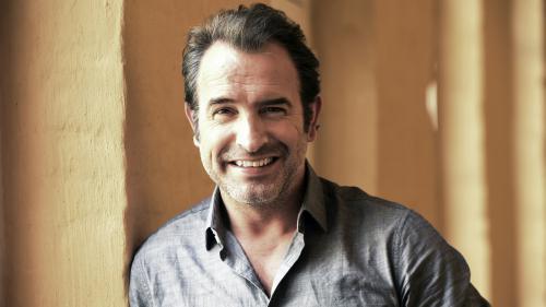 """Festival de Cannes : Jean Dujardin présente le dernier ovni de Quentin Dupieux, """"Le Daim"""""""