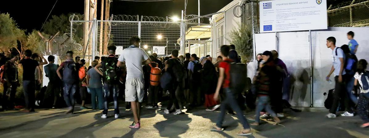Grece Un Gigantesque Incendie Ravage Le Camp De Migrants De Moria