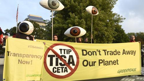 """Libéralisation des services : les négociations sur le TiSA sont """"antidémocratiques"""" et """"en contradiction avec la COP21"""" (Greenpeace)"""