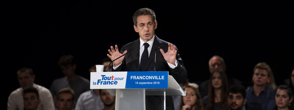 nicolas sarkozy s 39 explique sur sa r f rence nos. Black Bedroom Furniture Sets. Home Design Ideas