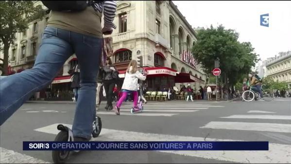 Malgré le temps maussade, la Journée sans voiture à Paris est un succès