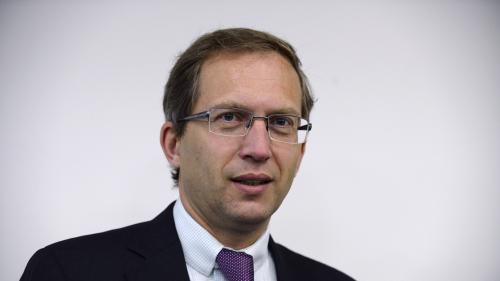 """VIDEO. Devant les députés, le PDG d'Alstom se dit """"choqué"""" par les accusations de """"chantage"""""""