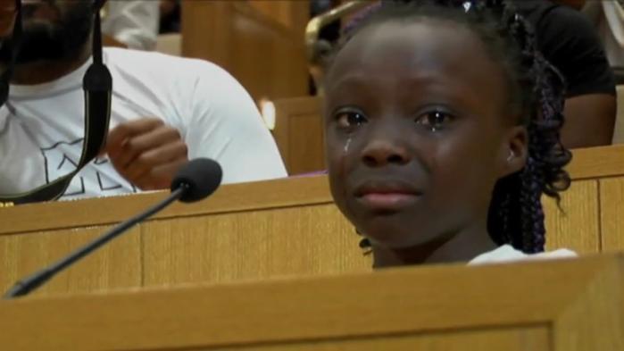 VIDEO. Les larmes d'une fillette face aux violences policières aux Etats-Unis