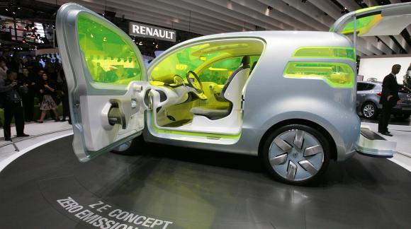 The Z. E., a concept car car non-polluting,  préfeelée by Renault at  Mondial de l'automobile in Paris on 2 October  2008.