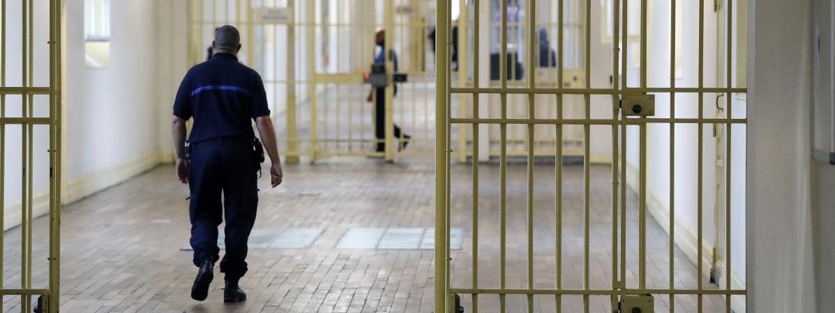 Un surveillant pénitentiaire de la prison de Fresnes(Val-de-Marne), le 20 septembre 2016.
