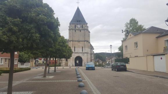 Le 2&ampnbspoctobre, un&ampnbspécran sera installé sur la place&ampnbsplors de la messe de réouverture de l'église de Saint-Etienne-du-Rouvray.
