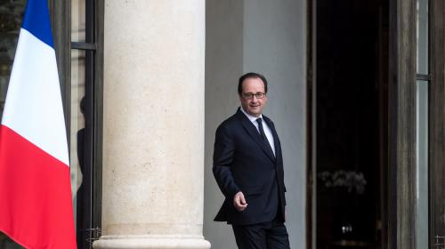 """Crise policière : """"je recevrai les organisations de policiers"""", déclare François Hollande"""