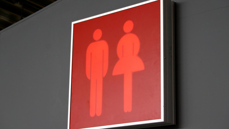 eurozapping l 39 arm e allemande se retire de turquie des toilettes unisexes en suisse. Black Bedroom Furniture Sets. Home Design Ideas